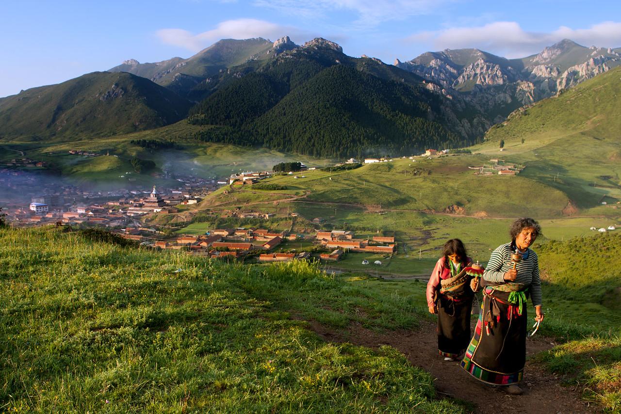 Early morning, Taktsang Lhamo (Langmusi), Amdo (Gansu)