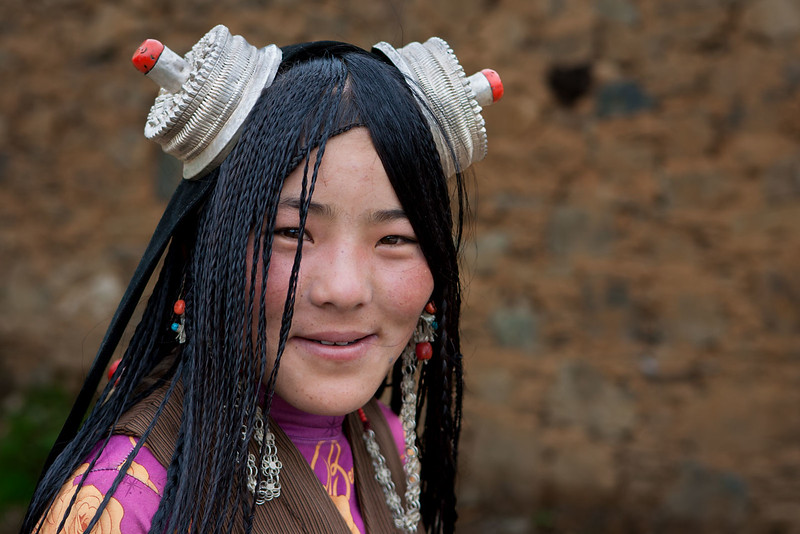 A girl from the old town of Litang, Kham (Sichuan)