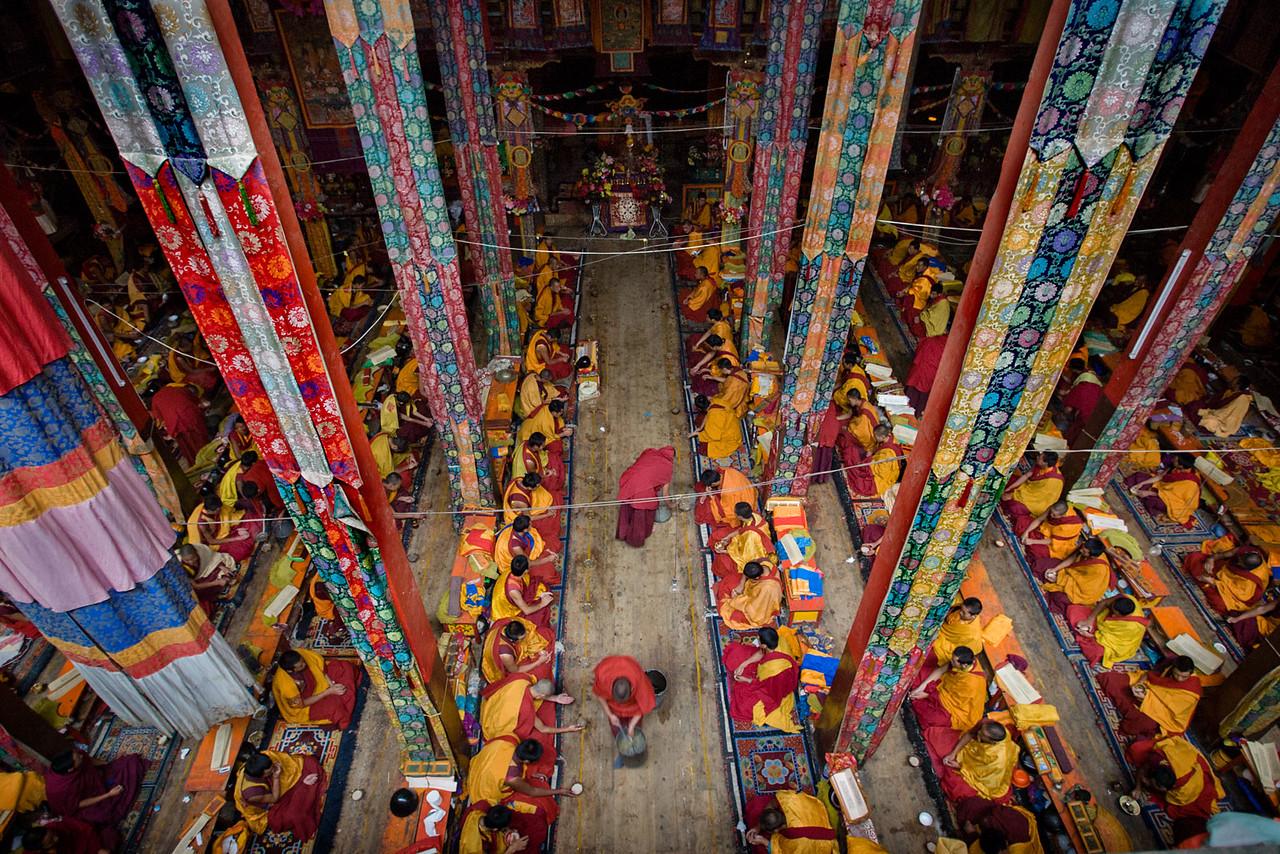 Serving tea at the Kathok Dorje Den Monastery, Kham (Sichuan)