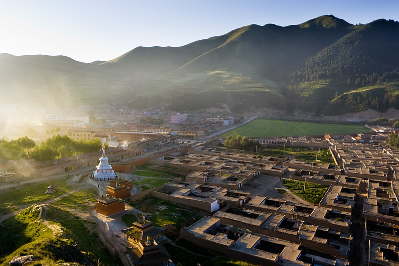 Early morning, Labrang Monastery, Xiahe, Amdo (Gansu)