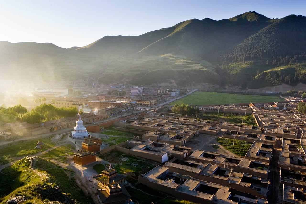 Early morning, Labrang Monastery, Xiahe, Amdo (Gansu)