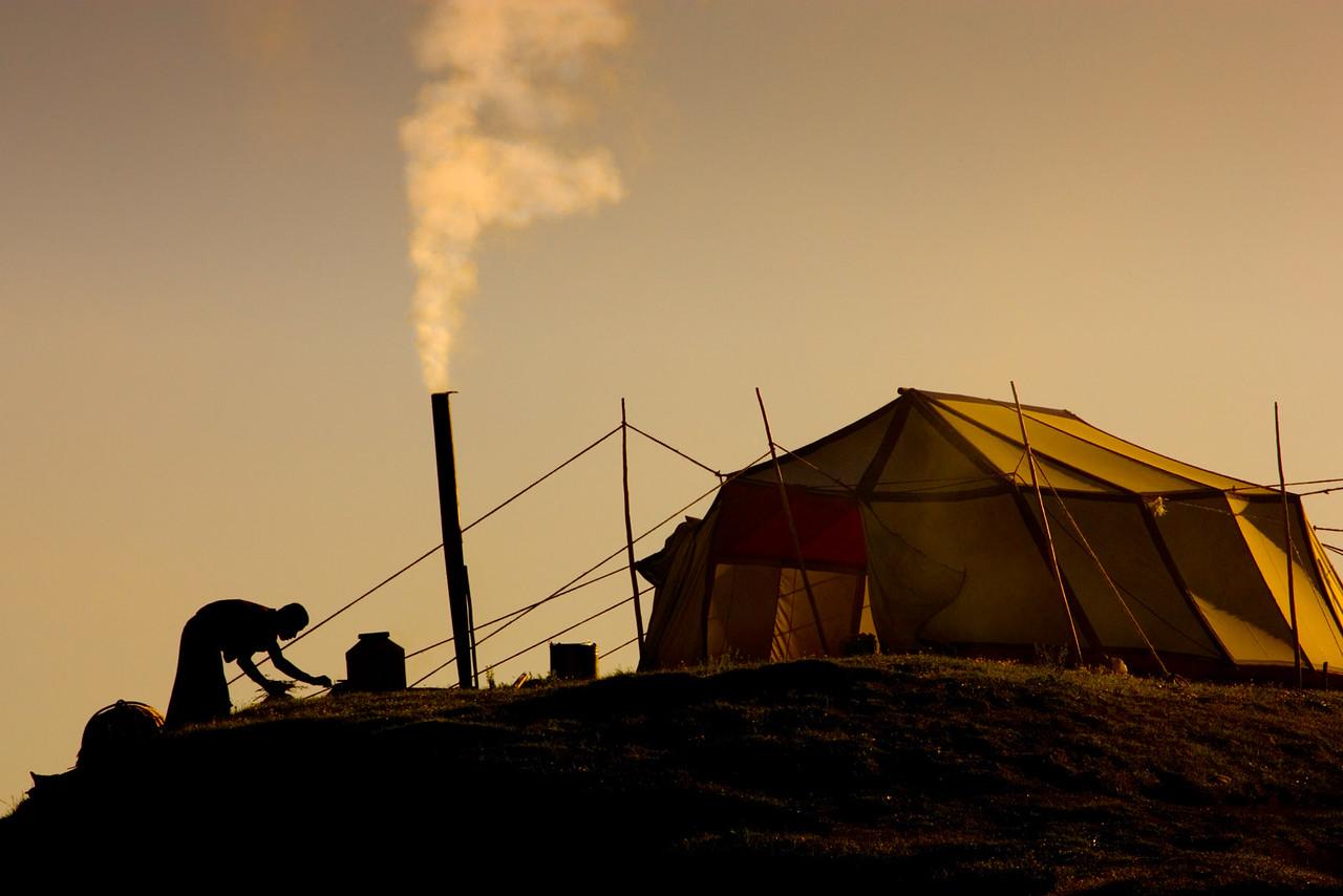 Monks camping out, Taktsang Lhamo (Langmusi), Amdo (Gansu)