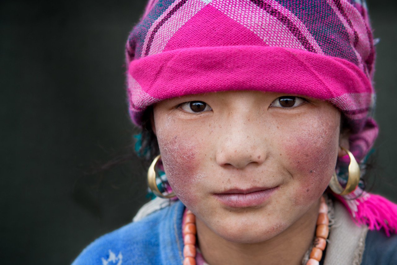 A young girl at a nomad camp. Zeku, Tsekok, Amdo (Qinghai)