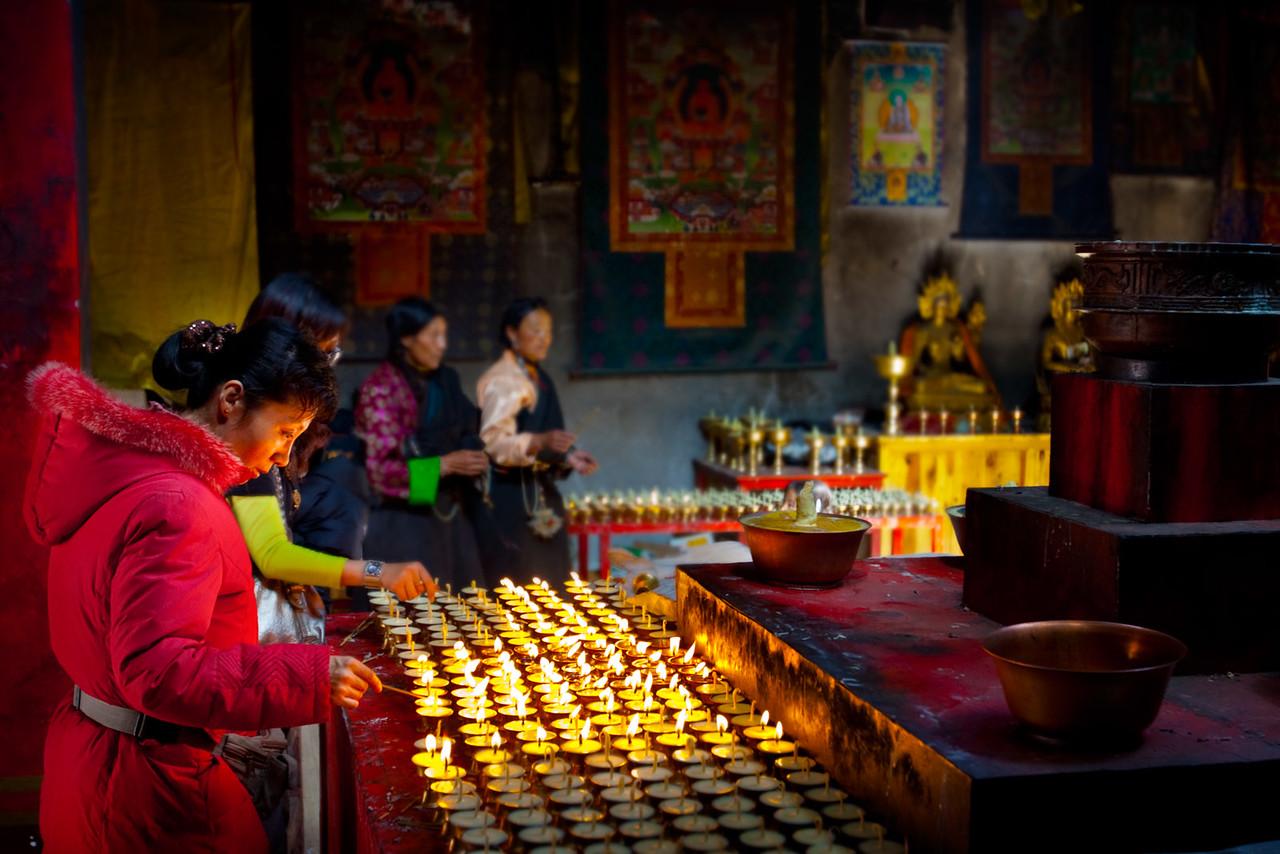 Sengze Gyanak Mani. Jyekundo (Yushu), Kham (Qinghai)