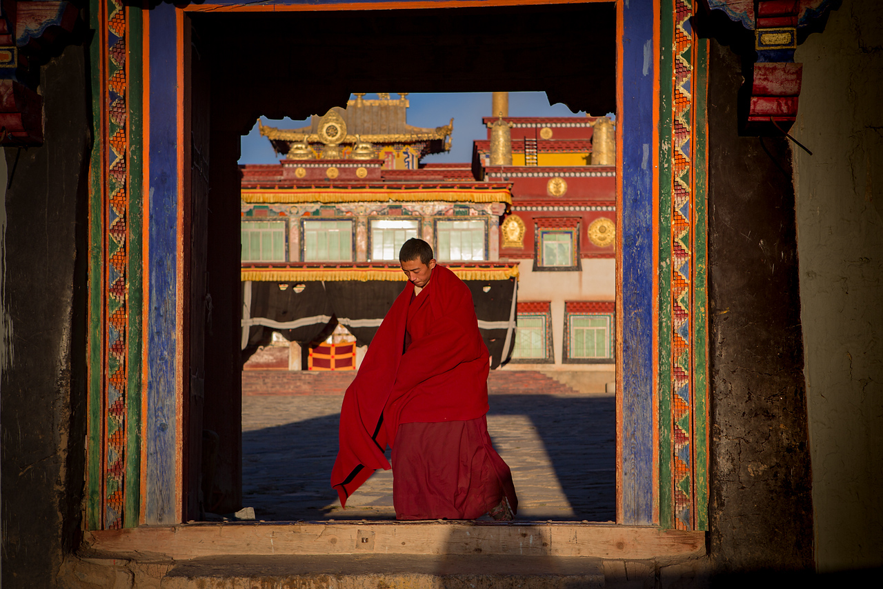 After morning ceremony, Ganzi Darjee Gompa - Ganzi