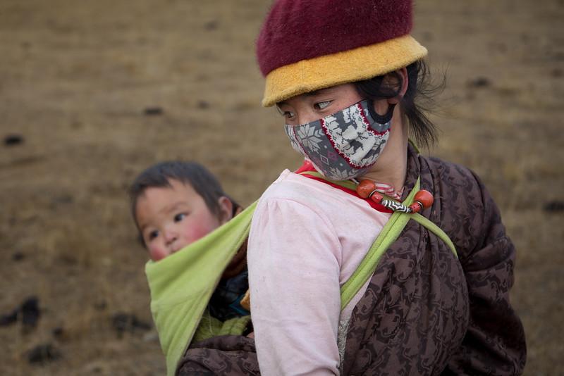 Nomads near the Dzogchen monastery
