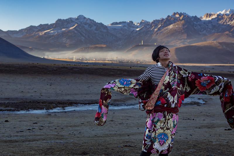 Nomad family the Dzogchen monastery