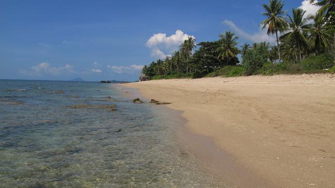 Khlong Khong Beach tropical paradise