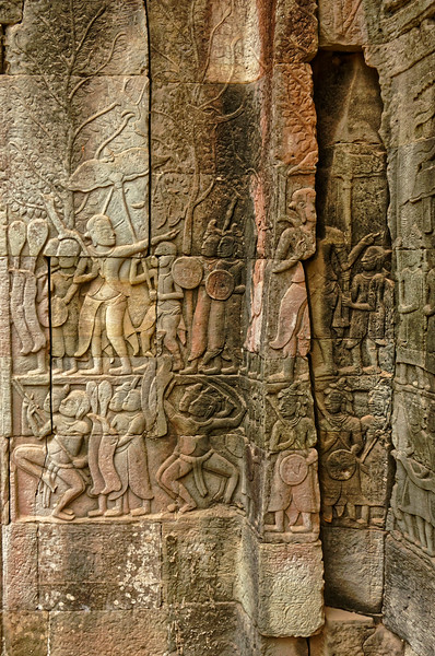 Bas reliefs, likely dating from two periods during the early and late 13th century, line many of the gallery walls at the temple.