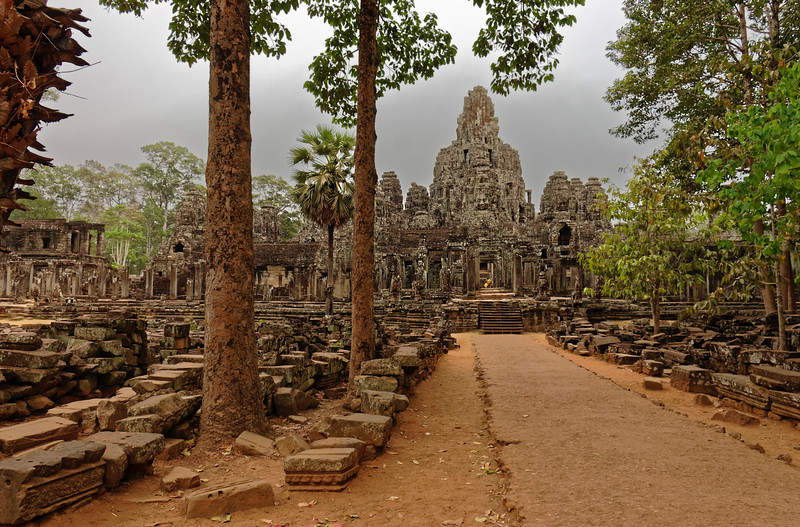 The eastern approach to the Bayon