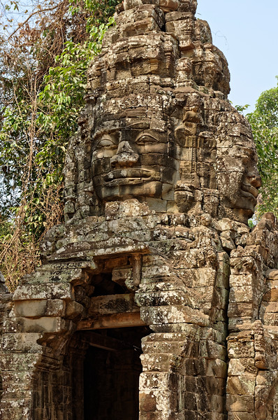 Face-tower at the eastern entrance to Banteay Kdei