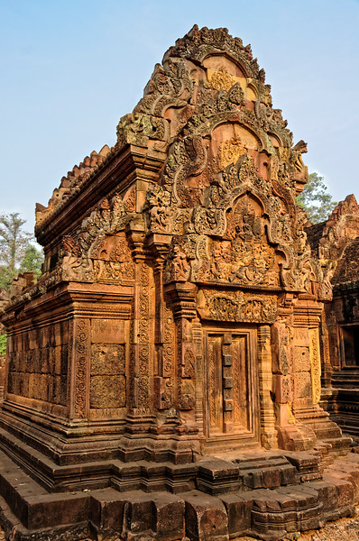 One of the structures within the inner temple. Such buildings are traditionally referred to as 'libraries,' though their exact purpose is unknown. Note the false doorway, a feature often found in Khmer temple buildings.
