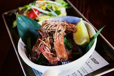 Goong Too Gluar Prik Thai Dum - Vietnamese Style Crispy Prawns