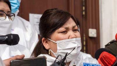2021 оны дөрөвдүгээр сарын 20. PCR шинжилгээг хуурамчаар үйлддэг гэж нэр цохогдоод байгаа эмч нарын төлөөлөл болон ҮЭХ-ээс мэдээлэл хийлээ. ГЭРЭЛ ЗУРГИЙГ Б.БЯМБА-ОЧИР/MPA