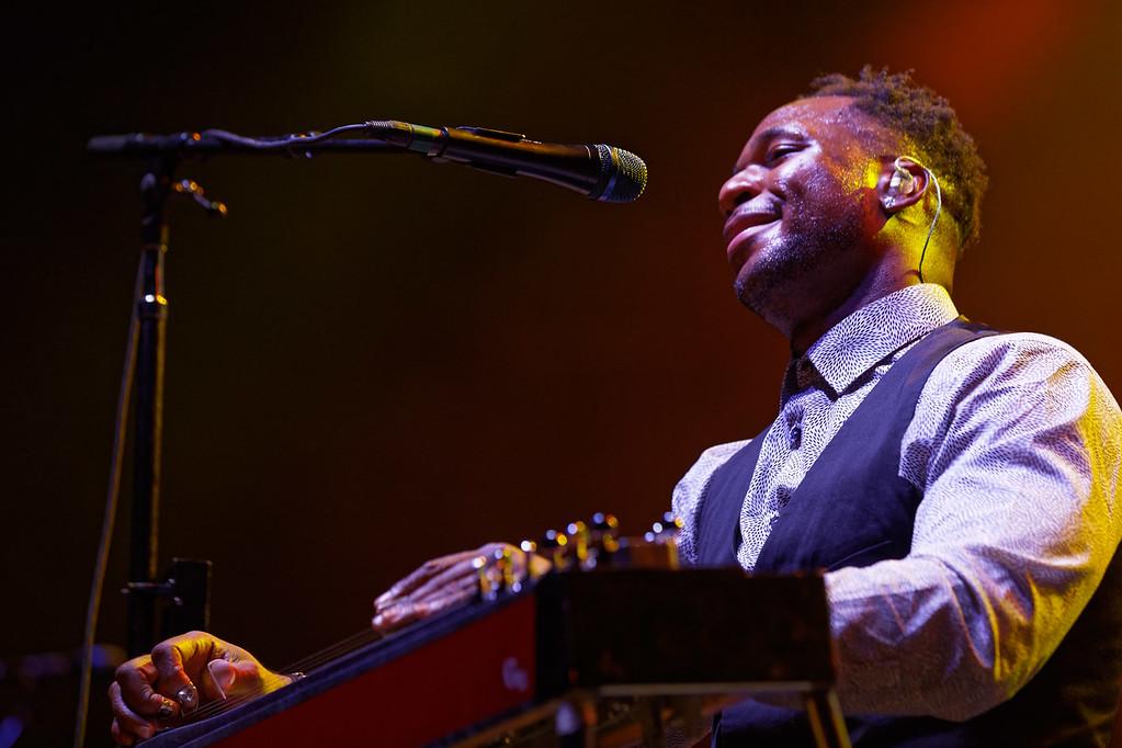 . Robert Randolph  live at Little Caesars Arena on 9-20-2017.  Photo credit: Ken Settle