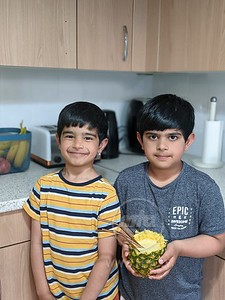 Safeer and Rameez Try out The Pineapple!