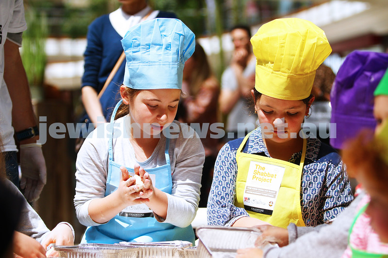 18-10-15. The Shabbat Project. Kids challah bake at Chadstone Shopping Centre. Photo: Peter Haskin