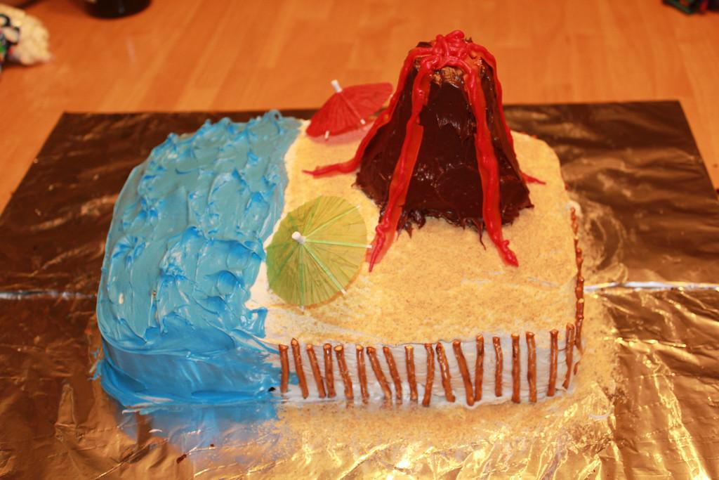 Sam's Hawaii / Volcano Cake