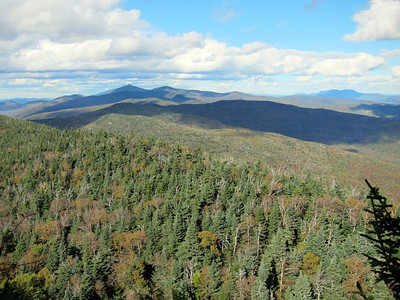 Hike to the General Stark Mountain, Vermont. Ended at Theron Dean shelter just over 3000 ft.