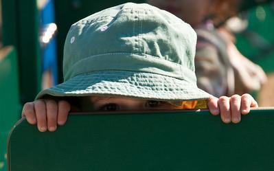 baby-peeking