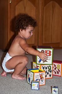 baby-playing-blocks