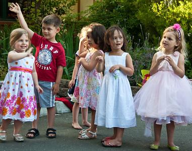 kids-waving
