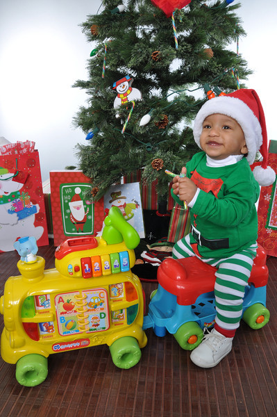 Kaiden's Christmas Pictures