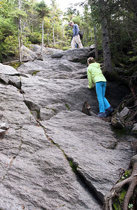 Anna & Bobby hike up Mount Hunger (3539 ft / 1079 m).