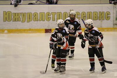Белые Медведи-2000 (Челябинск) - Авангард-2000 (Омск) 2:9. 16 февраля 2013