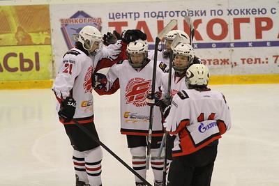 Белые Медведи-2000 (Челябинск) - Авангард-2000 (Омск) 1:5. 5 января 2014