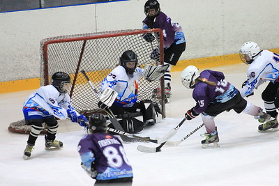 В Челябинске прошел третий игровой день новогоднего турнира по хоккею среди девочек 2000-2002 года рождения Снегурочка