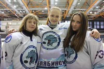 О своих достижениях рассказывают в интервью 74hockey.ru лидеры команды девочек челябинской школы имени Серея Макарова - Лиза Роднова, Оксана Братищева и Даша Зубок