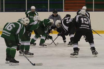 """В челябинском ледовом дворце """"Трактор"""" прошёл второй игровой день первенства федеральных округов среди команд 2001-го года рождения."""
