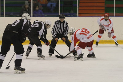 После одного выходного дня в Челябинске продолжились матчи первенства федеральных округов среди команд 2001-го года рождения.