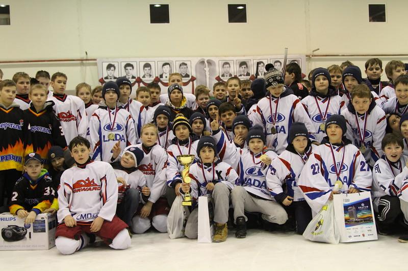 В Челябинске завершился турни памяти хоккеистов школы Трактор, погибших в железнодорожной катастрофе под Ашой в 1989 году.