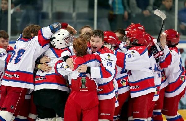 В Омске прошел финальный матч крупнейшего детского хоккейного турнира в Европе. В соревнованиях принимали участие двадцать четыре команды 2003 года рождения.