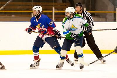 Металлург-96 (Магнитогорск) VS Салават Юлаев-96 (Уфа). 8 и 9 декабря 2012 г. Победил Металлург 4:3 и 5:2.