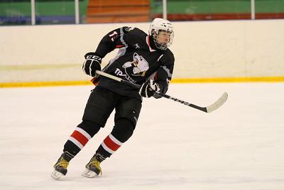 Нападающий команды Трактор 1997 года рождения Яков Тренин рассказал в интервью 74hockey.ru о победе своей команды над омским Авангардом в четвертьфинале чемпионата России