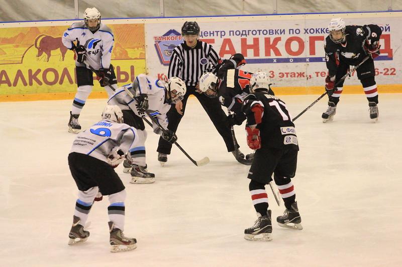 Команда Трактор 1997 года рождения уверенно обыграла челябинский Мечел со счетом 5:0 в матче чемпионата России.