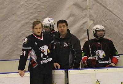 Главный тренер команды Трактор 1997 года рождения Борис Самусик прокомментировал в интервью 74hockey.ru матчи своей команды против Спартаковца из Екатеринбурга