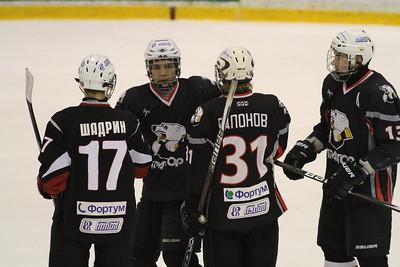 Команда Трактор 1997 года рождения в повторном матче чемпионата России обыграла Югру со счетом 12:1