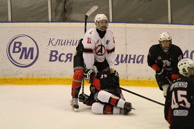 Трактор-1998 (Челябинск) - Автомобилист-1998 (Екатеринбург) 8:2. 10 ноября 2013