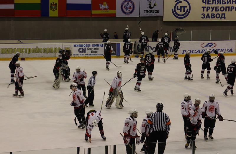 Команда Трактор 1998-го года рождения дважды обыграла омский Авангард в матчах чемпионата России.