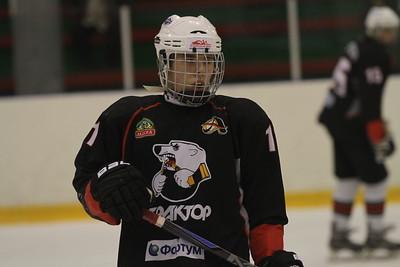 Команда Трактор 1998-го года рождения дважды обыграла омский Авангард в чемпионате России.