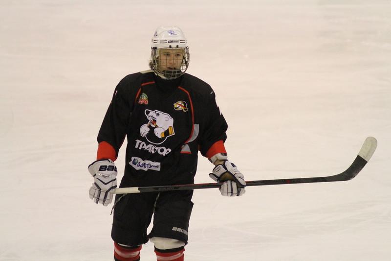 Нападающий челябинского Трактора и Юниорской сборной России до 16 лет Платон Попов рассказал в интервью 74hockey.ru о Турнире четырех наций.