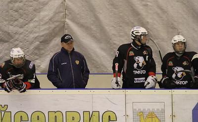 Один из тренеров юниорской сборной России U17 Владимир Глинкин рассказал в интервью 74hockey.ru о победе своей команды в Мировом Кубке Вызова, который не так давно прошел в Канаде.