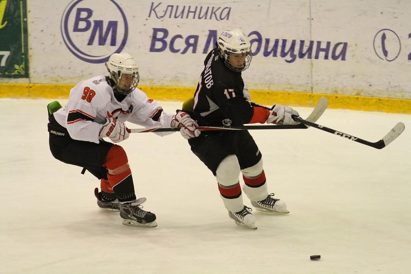 Команда Трактор 1998 года рождения в упорной борьбе обыграла в матче чемпионата России Автомобилист из Екатеринбурга