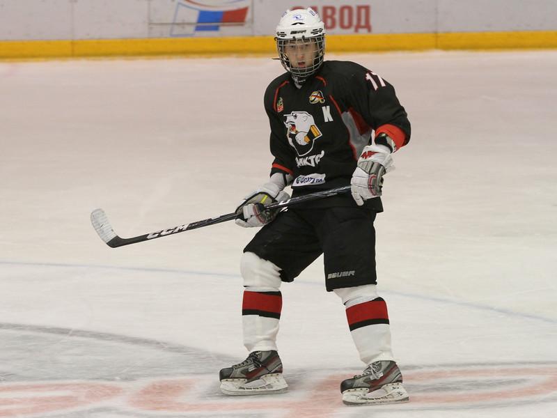 Нападающий команды Трактор 1998 года рождения Александр Подкорытов рассказал в интервью 74hockey.ru об успехах своей команды