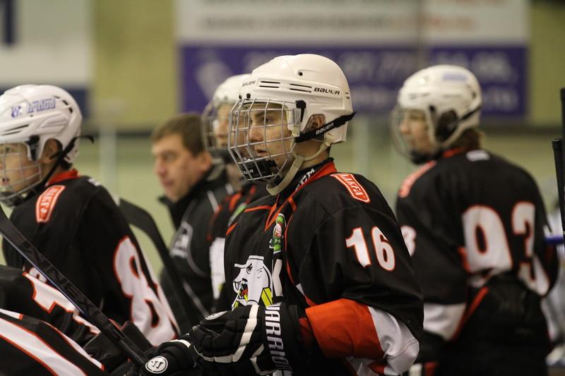 Защитник команды Трактор 1999-го года рождения Артур Гилязеев рассказал в интервью 74hockey.ru о матчах своей команды против челябинского Мечела.