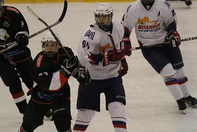 Команда Трактор 1999-го года рождения дважды обыграла магнитогорский Металлург в матчах чемпионата России.